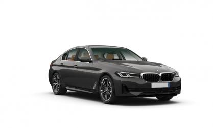 Renting BMW Serie 5 520e Berlina