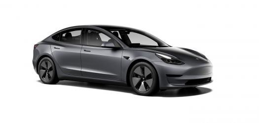 Renting Tesla Model 3 Estándar Plus