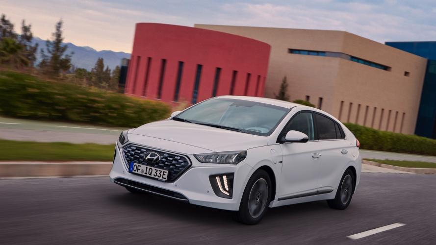 Hyundai_IONIQ_Plug-in_2020-01@2x