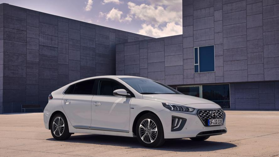 Hyundai_IONIQ_Plug-in_2020-02@2x
