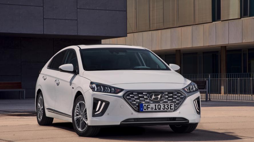 Hyundai_IONIQ_Plug-in_2020-04@2x