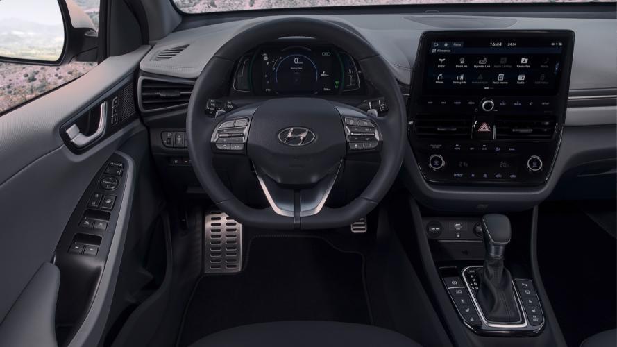 Hyundai_IONIQ_Plug-in_2020-07@2x