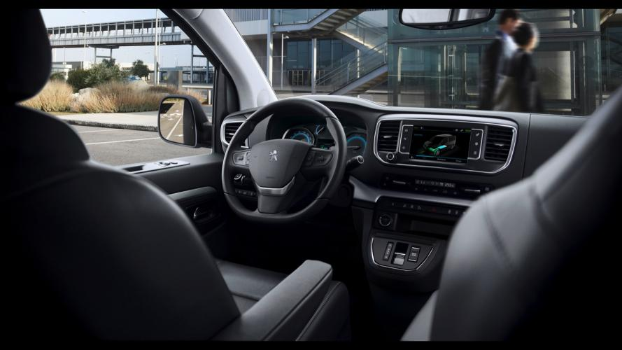 Peugeot_e-Traveller-09@2x