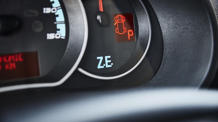 Renault_Kangoo_Maxi_ZE33-14@2x