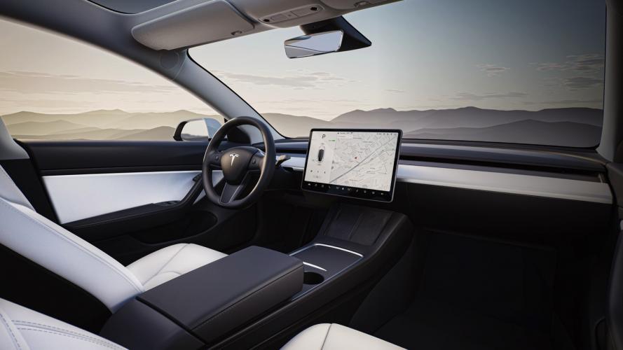 Tesla_Model_3_2021-06@2x