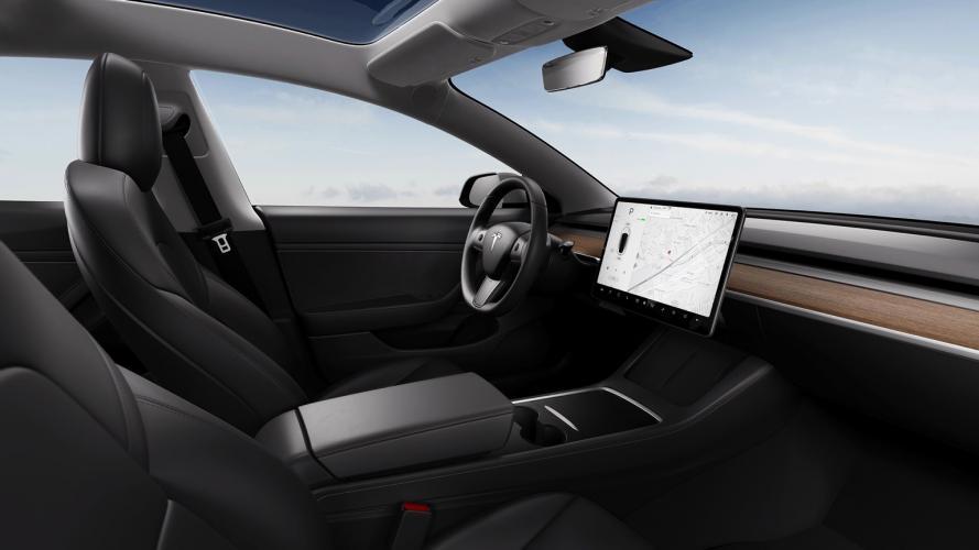 Tesla_Model_3_2021-07@2x