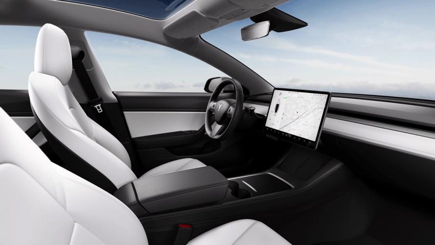 Tesla_Model_3_2021-08@2x