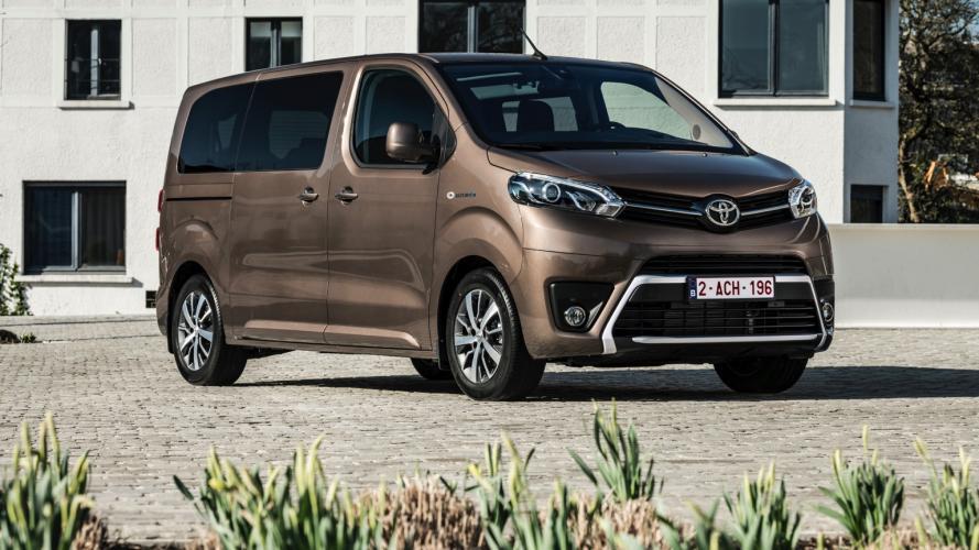 Toyota_PROACE_Verso-12@2x