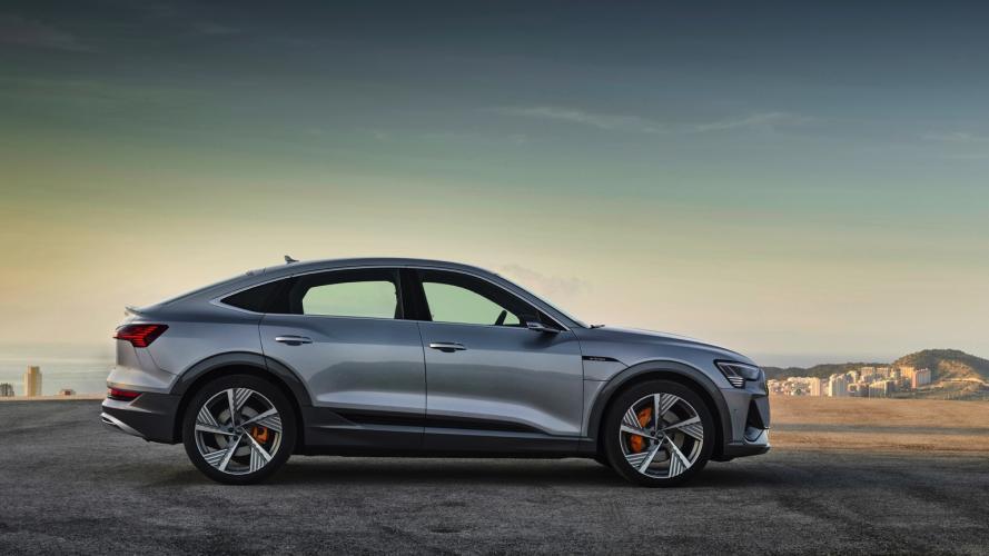 audi-e-tron-sportback-55-quattro-1-e-tron-sportback-2020-13@2x