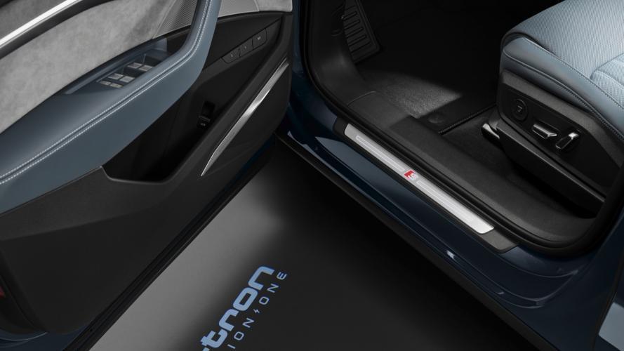 audi-e-tron-sportback-55-quattro-1-e-tron-sportback-2020-22@2x