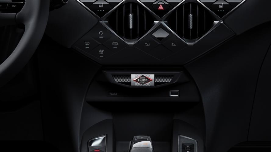 ds-automobiles-3-crossback-e-tense-ds-crossback-1@2x