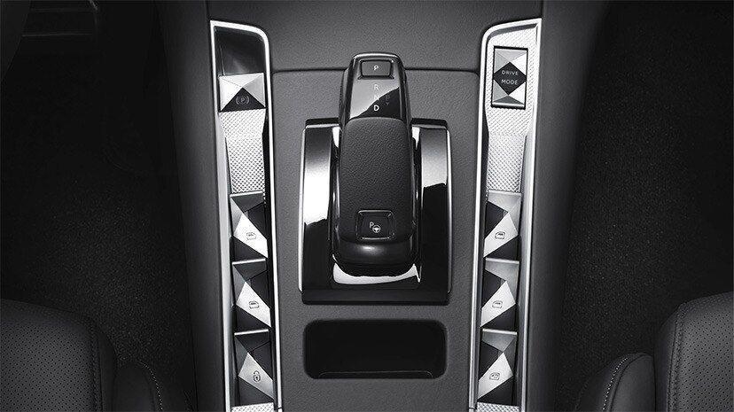 ds-automobiles-7-crossback-bastille--ds-7-crossback-e-tech-225-moveco-6