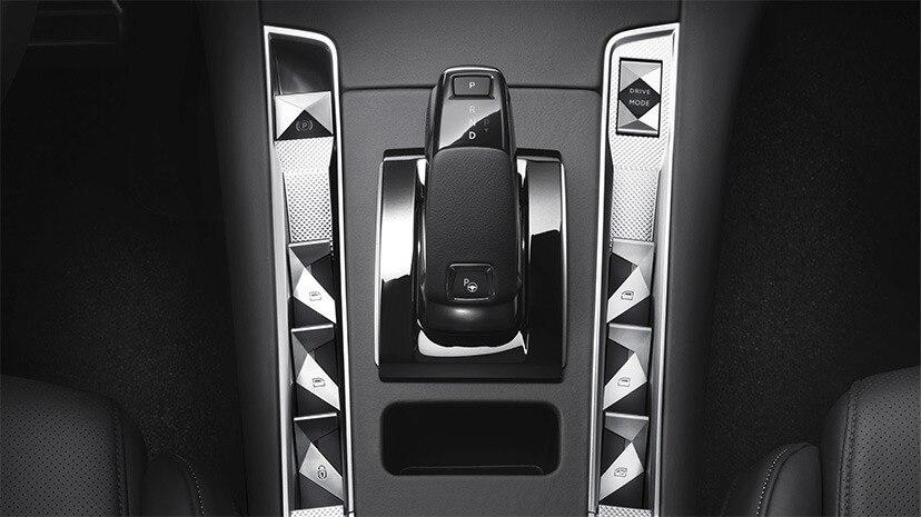 ds-automobiles-7-crossback-e-tense-300-4x4-ds-7-crossback-e-tech-300-moveco-6