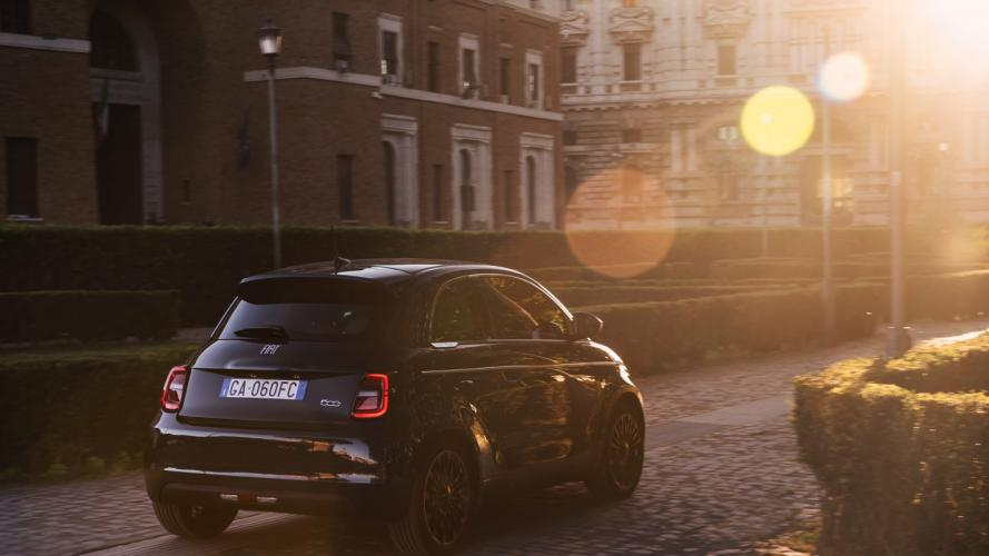 fiat-500-berlina-action-hatchback-2020-04@2x