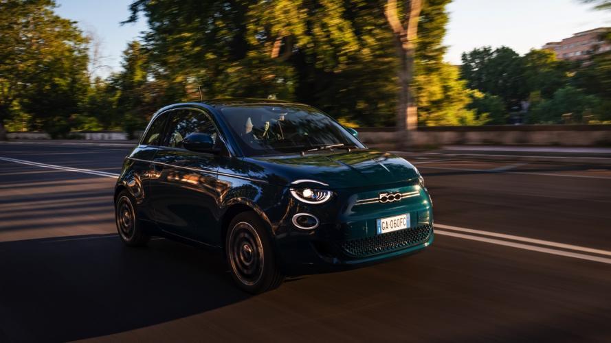fiat-500-berlina-action-hatchback-2020-07@2x