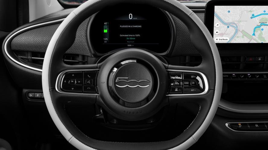 fiat-500-berlina-action-hatchback-2020-11@2x
