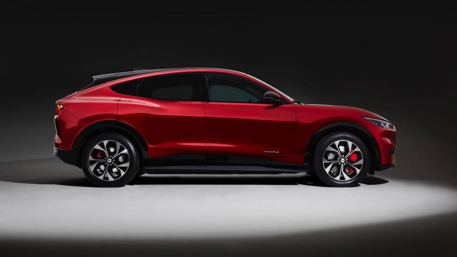 ford-mach-e-awd-mustang-10@2x