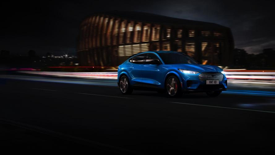 ford-mach-e-awd-mustang-14@2x