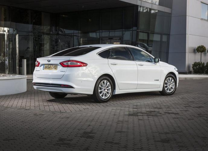 ford-mondeo-hev-moveco-11
