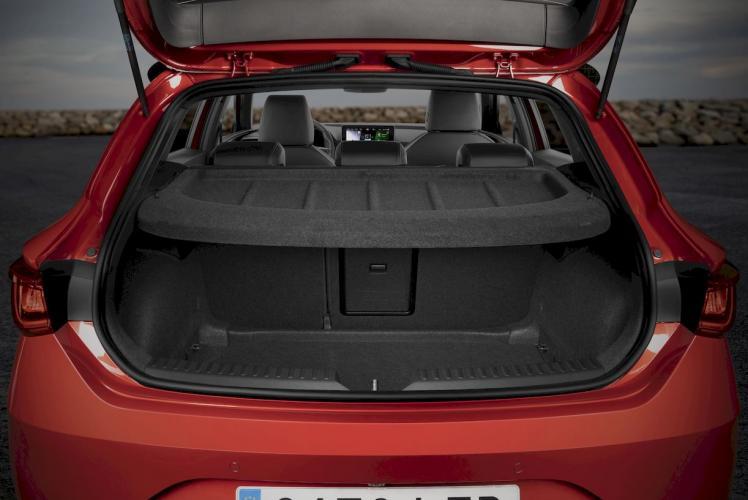 seat-leon-e-hybrid-hibrido-enchufable-moveco-0