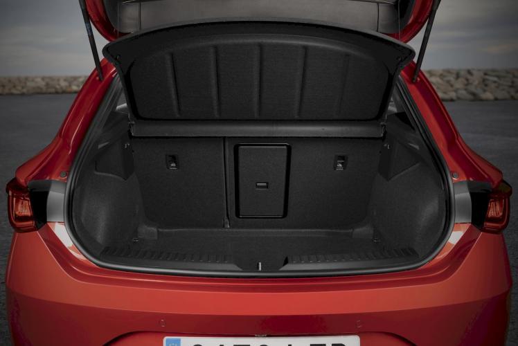 seat-leon-e-hybrid-hibrido-enchufable-moveco-1