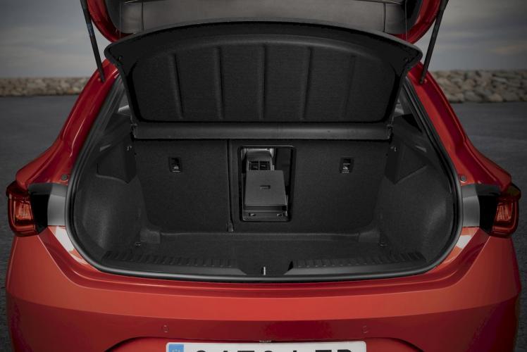 seat-leon-e-hybrid-hibrido-enchufable-moveco-2