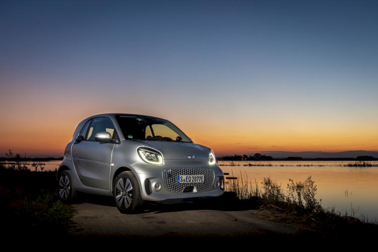 smart-fortwo-eq-coupe-10-moveco