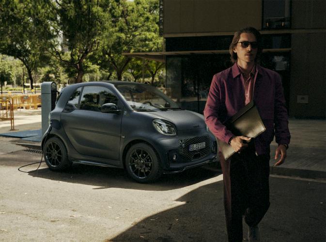 smart-fortwo-eq-coupe-41-moveco