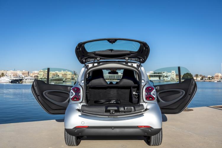 smart-fortwo-eq-coupe-9-moveco