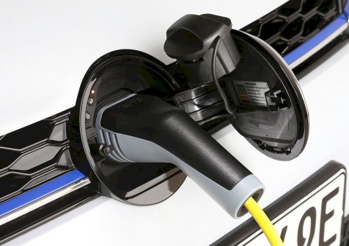 volkswagen-golf-gte-2019-gte-hibrido-enchufable-2020-0-moveco
