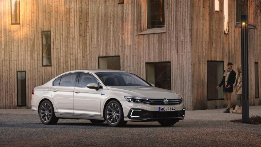 Volkswagen_Passat_GTE__2020-01@2x