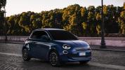 fiat-500-berlina-action-hatchback-2020-03@2x
