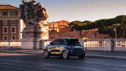fiat-500-berlina-action-hatchback-2020-06@2x