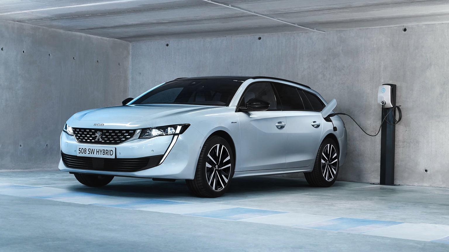 Peugeot_508_SW_HYbrid-01@2x
